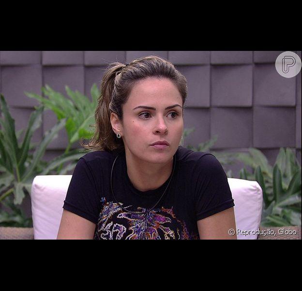 Ana Paula foi desclassificada do 'Big Brother Brasil' após descumprir regra, afirma o site do programa nesta sábado, dia 5 de março de 2016
