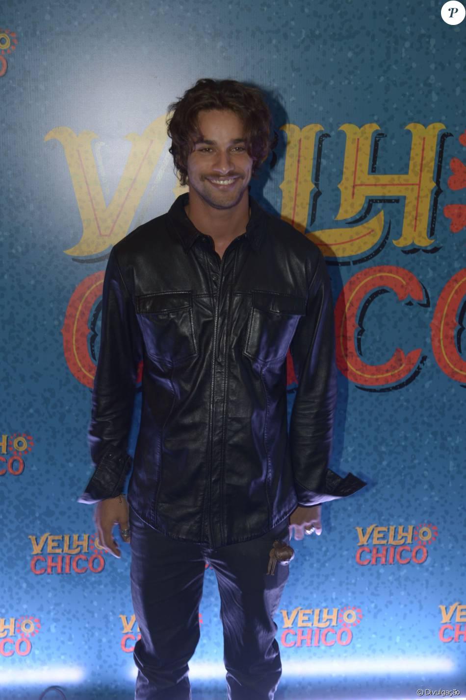 1ab68c7cb Pablo Morais apostou num estilo mais descolado com uma jaqueta de couro