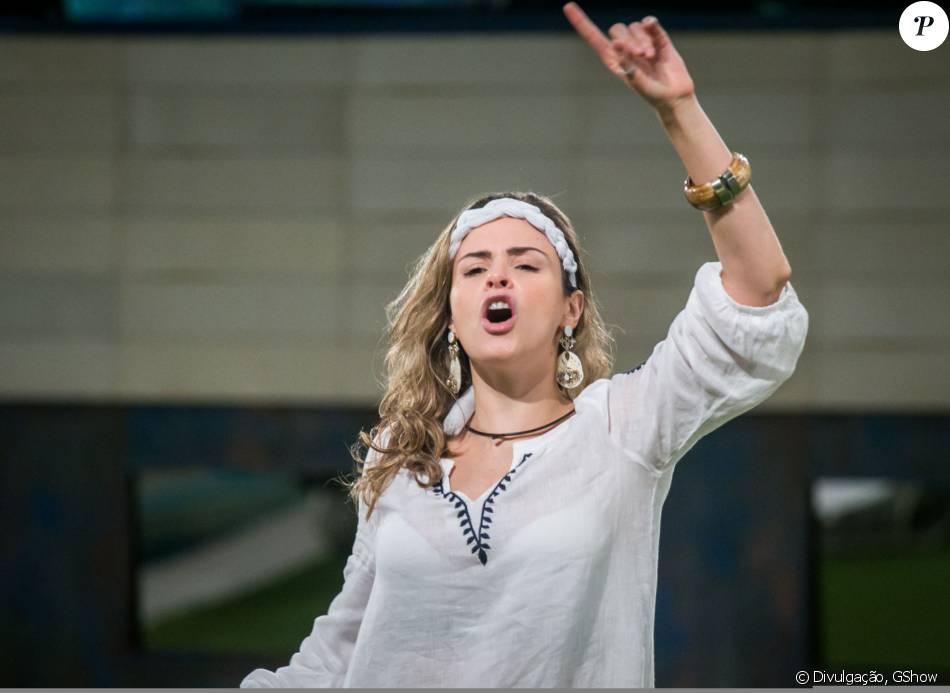 Ana Paula, expulsa do 'BBB16', agradou executivos da Globo e pode assinar contrato para ser repórter de algum programa, diz o colunista Fernando Oliveira, do jornal 'Agora São Paulo', nesta terça-feira, 8 de março de 2016