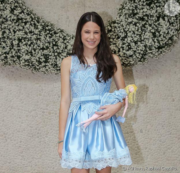 Sophia Raia, filha de Claudia Raia e Edson Celulari, esbanja graça e elegância em evento de moda. Ela foi fotografada na tarde desta quarta-feira, 09 de março de 2016