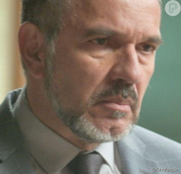 Germano (Humberto Martins) conta para Eliza (Marina Ruy Barbosa) que é seu pai, na novela 'Totalmente Demais'