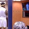 Por ter sido o último a entrar no confessionário para fazer o Raio-X, Renan conseguiu o privilégio de ficar num quarto exclusivo acompanhando a rotina da casa