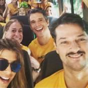 Susana Vieira e mais famosos vão a protesto contra o Governo de van: 'Partiu!'