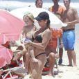 Danielle também levou o pequeno Guy, de 1 ano e 8 meses, à praia da Barra da Tijuca, em 20 de dezembro de 2012