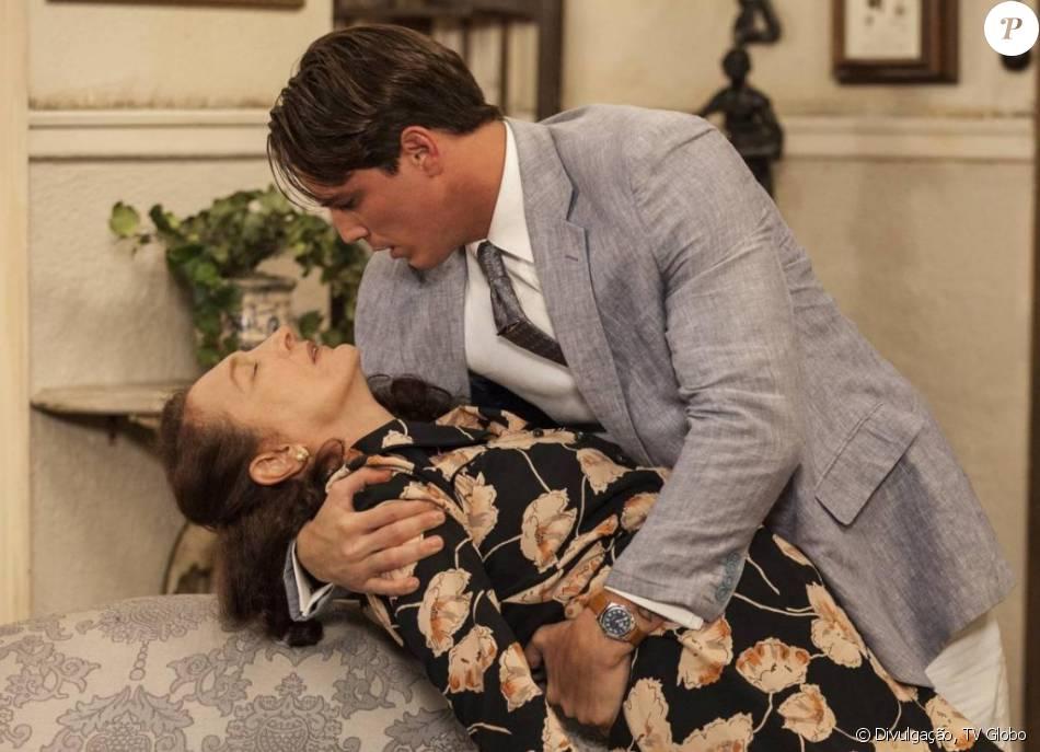Ana (Débora Olivieri) vai morrer após descobrir que o marido gastava seu dinheiro com a amante, na novela 'Êta Mundo Bom'