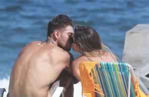 Lucas Lucco beija a estudante Mariana Queiroz, de 19 anos, em praia. Fotos!