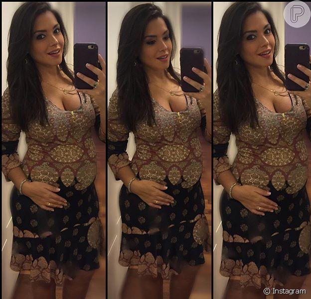 Thais Fersoza publicou em seu Instagram, nesta terça-feira, 22 de março de 2016, uma foto nostrando a barriga de grávida antes de ir ao show de Michel Teló