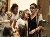 Giovanna Antonelli usa short curtinho em shopping no Rio com filhos. Fotos!