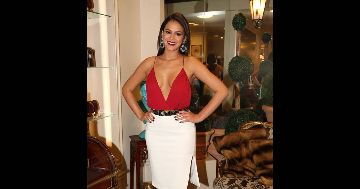 68f62cfa0 Bruna Marquezine revela truque para looks curtos   Shortinho nada sensual   - Purepeople