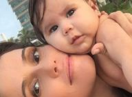 Deborah Secco posa de rosto colado com a filha, Maria Flor, após ensaio na praia