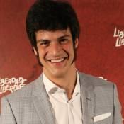 Mateus Solano fica nu em cena da novela e brinca: 'Se precisar, mostro o útero'