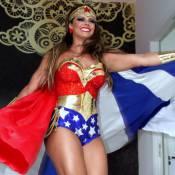 Viviane Araújo usa fantasia de Mulher-Maravilha em sua festa de aniversário