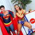 Viviane Araújo se fantasia de Mulher-Maravilha, e o noivo, Radamés, de Super-Homem, na festa de aniversário da atriz, nesta sexta-feira, 1º de abril de 2016