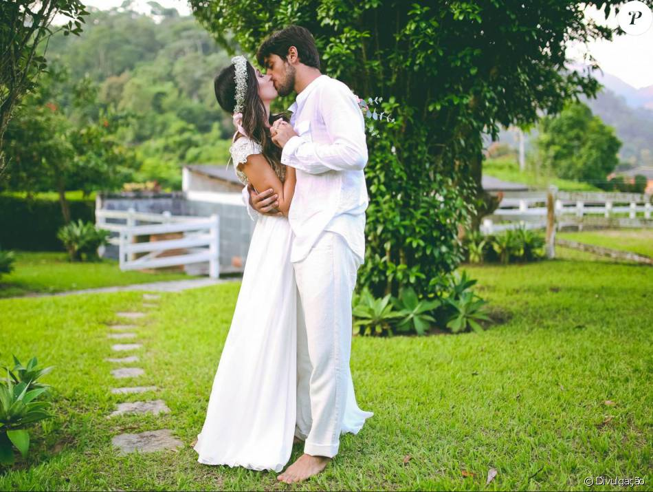 e9d1202ad7d58 Felipe Simas se casou com a jornalista Mariana Uhlmann no domingo, 3 de  abril de