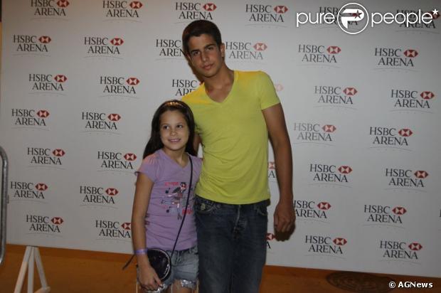 Claudia Raia tem dois filhos: Enzo, de 15 anos, e Sophia, de 9