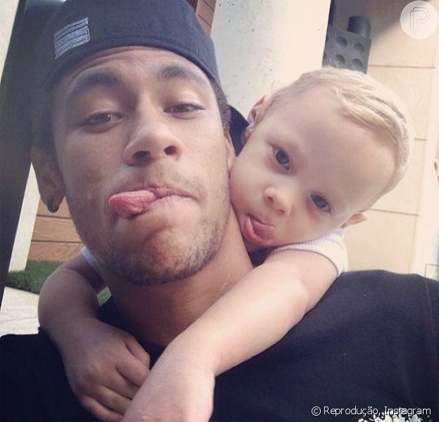 Neymar publica foto com o filho, davi Lucca, no Dia das Crianças, em 12 de outubro de 2013