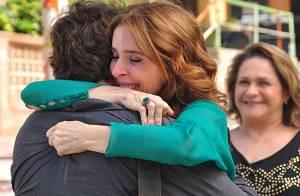 'Sangue Bom': Fabinho abraça Irene e Plínio após confirmar que é filho do casal