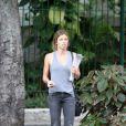 Grazi Massafera aparece caminhando sem aliança pelo Leblon, bairro da Zona Sul da Rio de Janeiro, no dia 14 de outubro de 2013