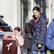 Katie Holmes e sua filha, Suri Cruise, fazem compras de Natal em Nova York