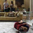 Tina (Ingrid Guimarães) arma um barraco e ataca Bárbara (Giulia Gam), em 'Sangue Bom'