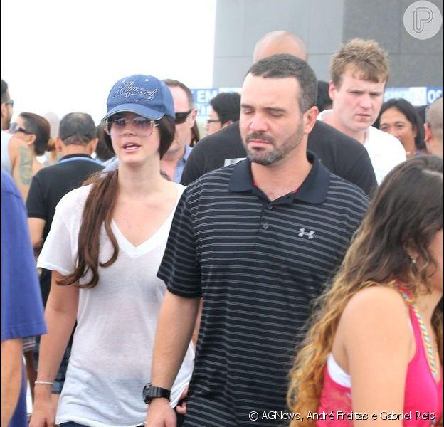 Após fazer show em São Paulo, Lana Del Rey desembarcou no Rio e aproveitou tempo livre para visitar o Corcovado
