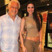 Antonio Fagundes leva ex-namorada para prestigiar peça de Bárbara Paz, no Rio