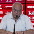 Carlos Augusto de Barros e Silva acrescentou sobre Henri Castelli: 'Cuidado para não mexer com a honra. E falar de administração corrupta, vai ter de responder'
