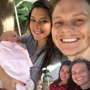 Thais Fersoza faz antes e depois em foto com filha, Melinda, após um mês: 'Amor'