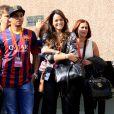 Bruna Marquezine prestigiou a apresentação de Neymar em seu novo clube, Barcelona, na Espanha