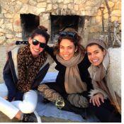 Bia Antony, recém-separada de Ronaldo, posa sorridente com amigas em Ibiza