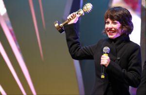 Andreia Horta ganha o Kikito de Melhor Atriz por atuação no longa 'Elis'. Fotos!