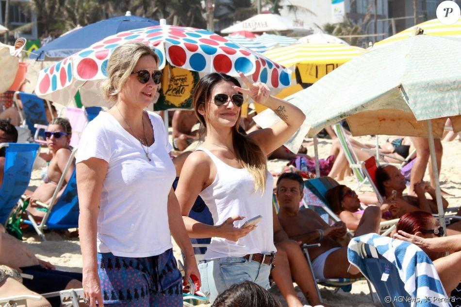 Cleo Pires participou neste domingo, 4 de setembro de 2016, de um evento na praia de Ipanema, na Zona Sul do Rio, voltado para pessoas com deficiência física