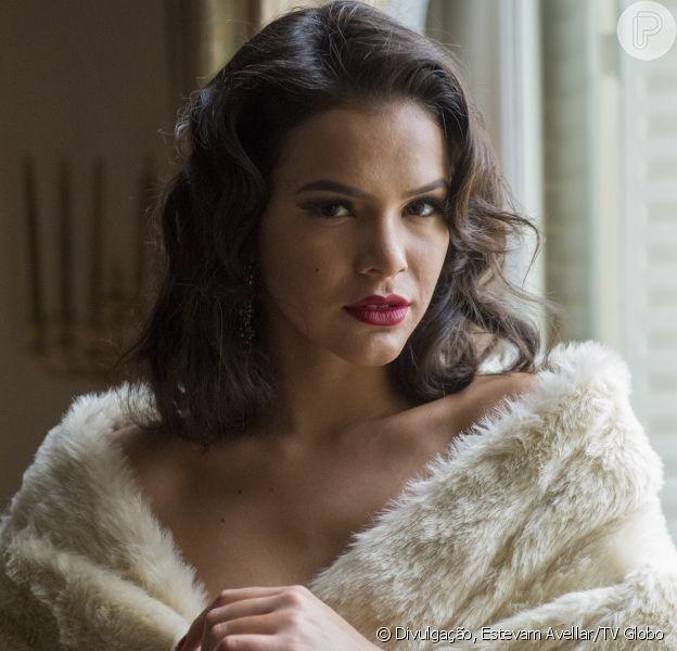 Bruna Marquezine interpreta a sedutora dançarina Beatriz na série 'Nada Será Como Antes', com estreia prevista para 27 de setembro de 2016