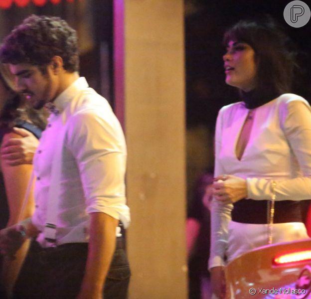 Caio Castro e Maria Casadevall são flagrados na pizzaria Guanabara, no Leblon, na Zona Sul do Rio de Janeiro, em 2 de dezembro de 2013. Os atores foram ao local após uma premiação da revista 'GQ Brasil'