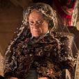 Na novela 'Velho Chico', a morte de Encarnação (Selma Egrei) deixa Afrânio (Antonio Fagundes) muito abalado