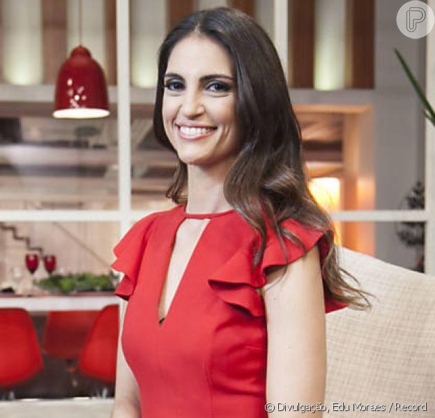 Chris Flores, após deixar a Record, foi sondada para apresentar um reality show de casais no SBT