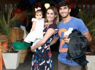 Deborah Secco e Hugo Moura mostram filha falando pela primeira vez: 'Saiu papai'
