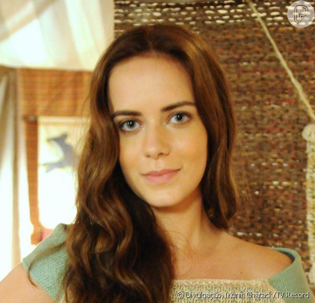 Livana (Letícia Medina) se desespera ao saber que está grávida de Maquir (Alexandre Slaviero), nos próximos capítulos da novela 'A Terra Prometida'