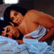 'Guerra dos Sexos': Nando (Giane) e Roberta (Gloria Pires) têm noite de amor