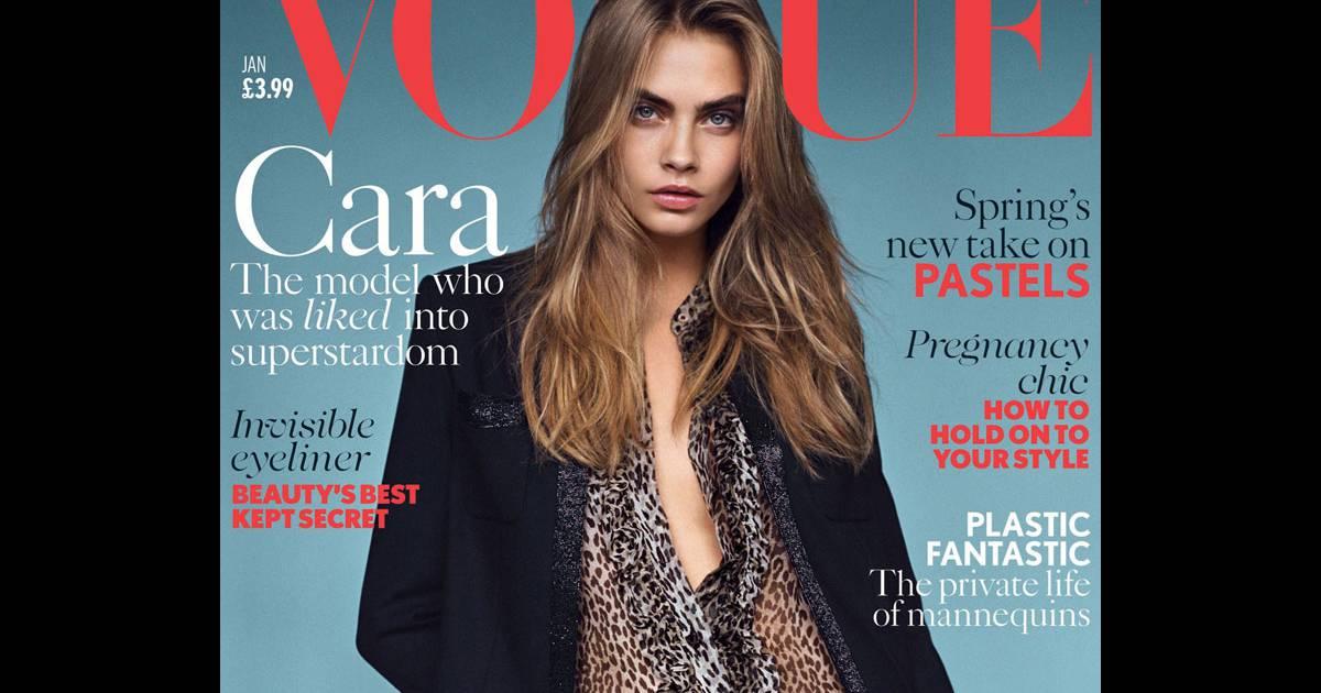 f0ae8632a53 Cara Delevingne posa para  Vogue  com look de R  22 mil da grife Saint  Laurent - Purepeople