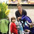 Atriz é mãe de Dom, de 4 anos, e dos gêmeos Bem e Liz, de 1 ano