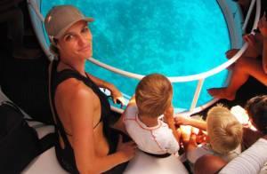 Fernanda Lima e Rodrigo Hilbert curtem os filhos gêmeos em Fernando de Noronha