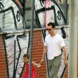 O ator americano Matthew McConaughey é flagrado pelas ruas de Belo Horizonte