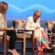 Xuxa tem sido vista usando uma bota ortopédica