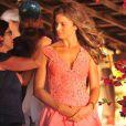 Grazi Massafera espera por ajustes finais no figurindo de Ester, a mocinha de 'Flor do Caribe'
