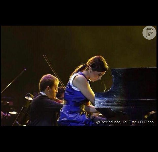 'Tocar Mozart com a OSB pra milhares de pessoas é emoção pra sempre! Obrigada, OSB', comentou a jornalista em sua conta no Twitter