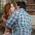 Natasha (Sophia Abrahão) e Thales (Ricardo Tozzi) estão apaixonados, em 'Amor à Vida'