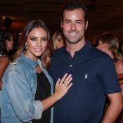 Namorado Carol Celico, Eduardo Scarpa posa com camisa de Kaká, ex da empresária
