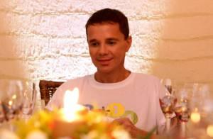 Cantor Netinho aparece mais magro em fotos de sua festa de Réveillon