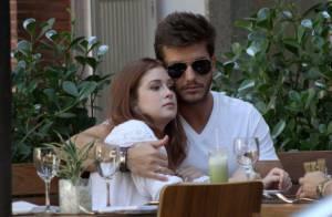 Marina Ruy Barbosa e Klebber Toledo namoram em restaurante do Rio